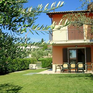 Great And Colourful Apartment At Only 700M From Bardolino photos Exterior