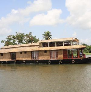 Angel Queen House Boats photos Room