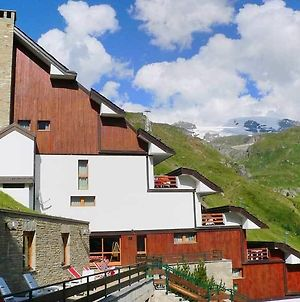 Cervinia Due photos Exterior