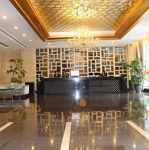 Dongguan Swan Lake Hotel photos Exterior