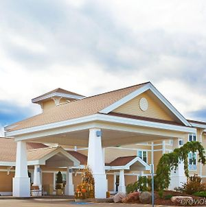 Holiday Inn Express & Suites Iron Mountain, An Ihg Hotel photos Exterior