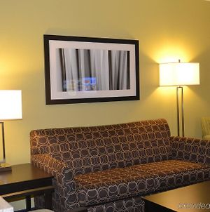 Holiday Inn Express Hotel & Suites Bloomington-Normal University Area, An Ihg Hotel photos Room