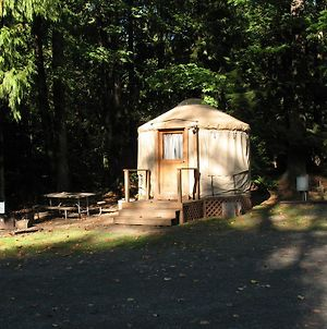 Mount Hood Village Yurt 1 photos Exterior