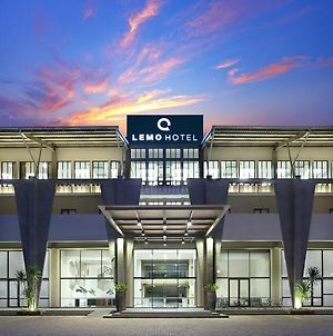 Lemo Hotel Serpong photos Exterior