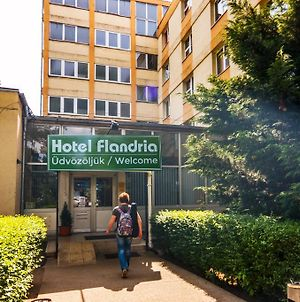 Hotel & Hostel Flandria photos Exterior