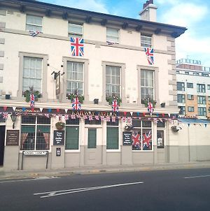 The Railway Tavern Hotel photos Exterior