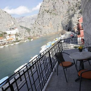 Apartments With Wifi Omis 4642 photos Exterior
