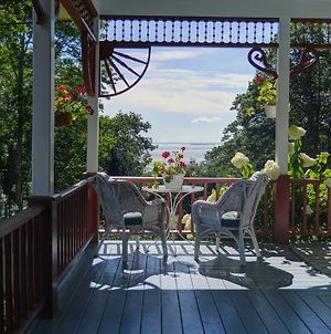 Victorian By The Sea Bed And Breakfast photos Exterior