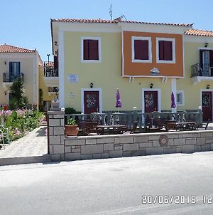 Toula photos Exterior