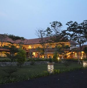 Bumi Gumati Convention Resort photos Exterior