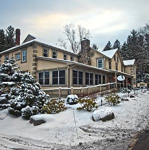 Woodfield Manor Resort - A Sundance Vacations Property photos Exterior