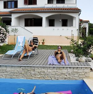 Holiday House In Vabriga With Balcony Air Conditioning Wifi Washing Machine photos Room