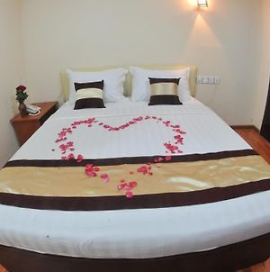 Myint Myat Guest House photos Room