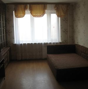 Apartment On Komsomolskaya photos Room