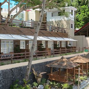 Anilao Discovery Bay Resort photos Exterior
