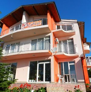 House Rezvaya With Rooms For Rent photos Exterior