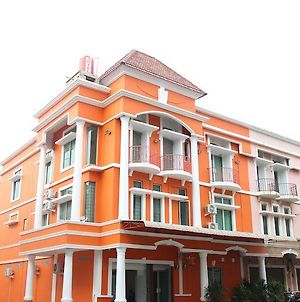 Batam Backpacker Guest House photos Exterior