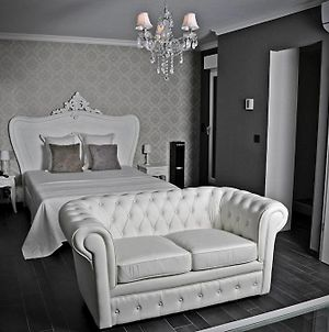 V E R O N E - Rooms & Suites - Liege - Rocourt photos Room