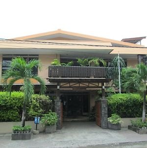 Pondok Asri Family Guest House photos Exterior