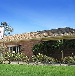 Nagambie Motor Inn And Conference Centre photos Room