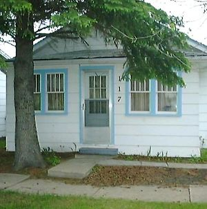 Canora Home Rentals Holiday Cottage photos Exterior