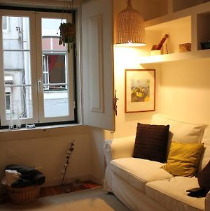 Small Flat In The Heart Of Lisbon photos Room