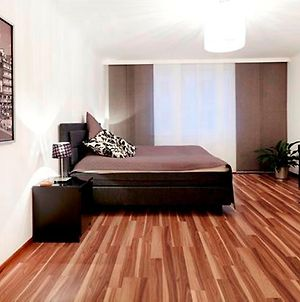Quiet, Spacious 2-Rooms-Flat Nearby Citycenter photos Room