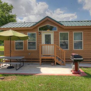 Lake Conroe Two Bedroom Cabin 14 photos Exterior