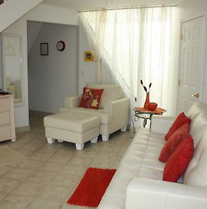 Chalets In Pyramid Village - Fort Myers photos Room