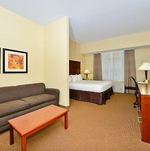Comfort Inn & Suites Adj To Akwesasne Mohawk Casino photos Room