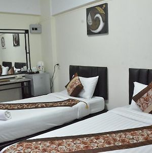 Nawarat Resort & Serviced Apartment photos Room