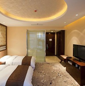 Kunlun Seaview Resort photos Room