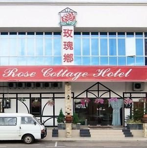 Rose Cottage Hotel Taman Impian Senai photos Exterior