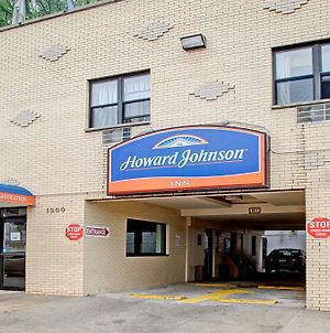 Howard Johnson Bronx Near Stadium photos Exterior