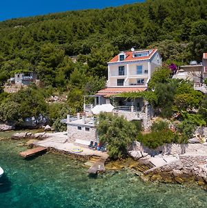 Apartments Ratac Lobrovic With Private Beach And Beautiful Sunset photos Exterior