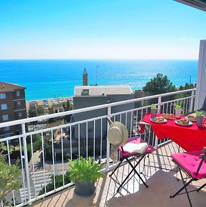 Nuria Seaview Beach Apartment photos Exterior
