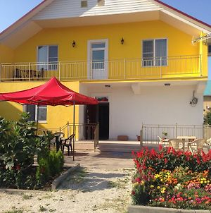 Yellow Guest House photos Exterior
