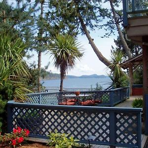 Arbutus Point Oceanfront B & B photos Exterior