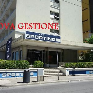 Sporting photos Exterior