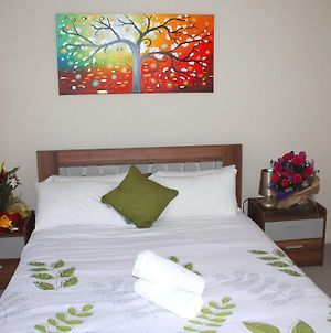 Villandry Villas-Melbourne 4Bdrms,Spacious,Clean & Comfortable photos Room