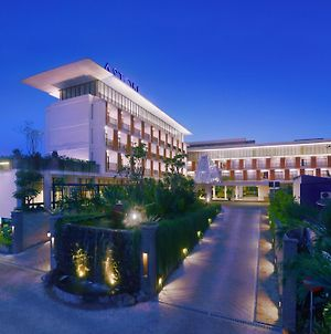 Aston Bojonegoro City Hotel photos Exterior