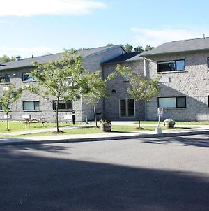 St Lawrence College Residence Brockville photos Exterior