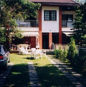 Sunflower Apartmanok photos Exterior