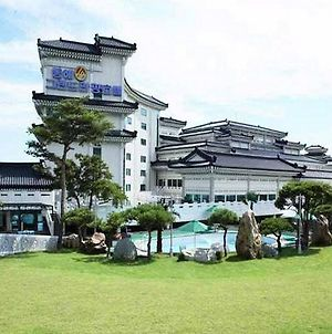 Donghae Medical Spa Convention Hotel photos Exterior