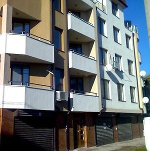 Asparuhov Guest Rooms And Apartments photos Exterior