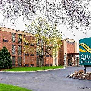 Quality Inn And Suites - Arden Hills photos Exterior
