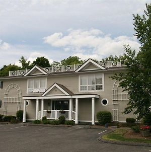 Berkshire Yankee Suites - An Extended Stay Hotel photos Exterior