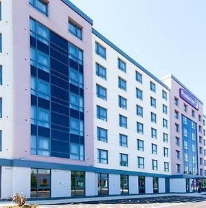Premier Inn London Gatwick Airport - Manor Royal photos Exterior