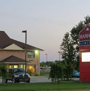 Ramada Limited South Windsor photos Exterior