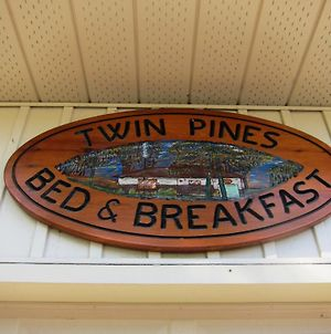 Twin Pines Bed & Breakfast photos Exterior